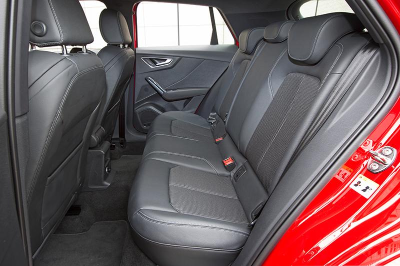 20170426_037_Audi_Q2_1.4_interior_04