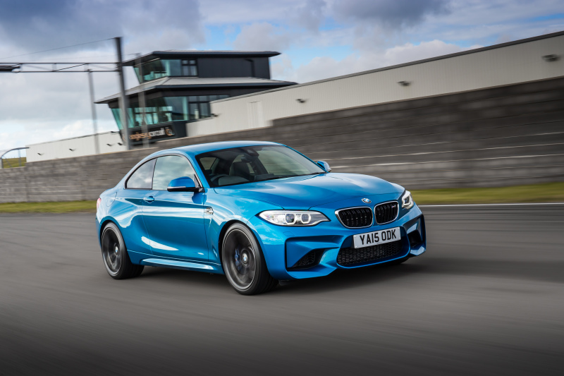 P90213259_highRes_the-new-bmw-m2